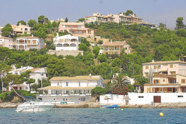 La vivienda turística genera un impacto económico de 1.494 millones en Baleares y Canarias en dos años