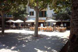 El Ajuntament de Pollença corrige las irregularidades detectadas en la ocupación de la vía pública