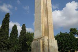Los jubilados de Mallorca exigen el derribo del «monumento fascista» de sa Feixina