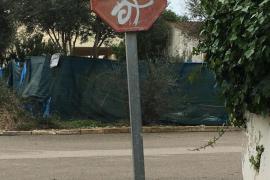 El PI reclama una modernización y mejora de las señales de tráfico en Campos