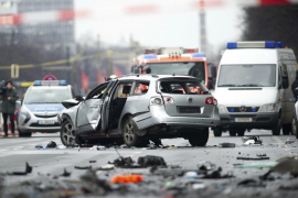 Muere el conductor de un coche al estallar un artefacto explosivo en Berlín