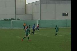 Padres de niños de un equipo de fútbol alevín «persiguen e intimidan» a un árbitro