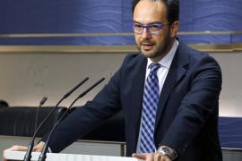 El PSOE amenaza al Gobierno con llevarlo ante el Constitucional si continúa en «rebeldía»