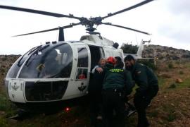 El helicóptero de la Guardia Civil rescata a una excursionista herida al caer en La Trapa