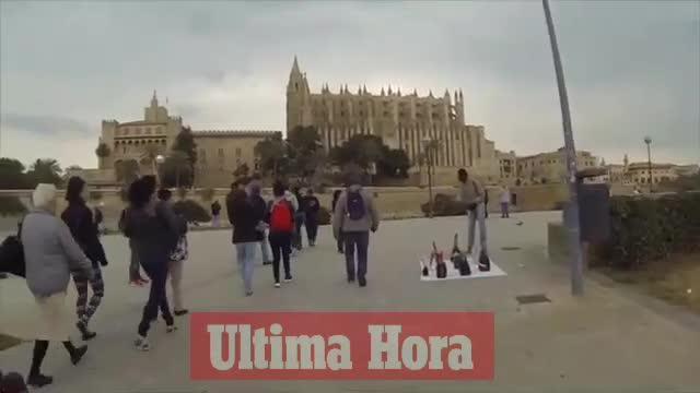 Vecinos de Dalt Murada y la Platja de Palma denuncian la invasión de vendedores ambulantes y trileros