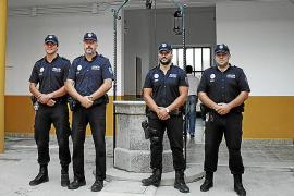Policías de Maria denuncian que reciben llamadas amenazantes en sus casas