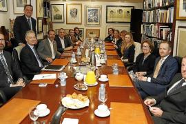 El embajador británico en España visita Mallorca