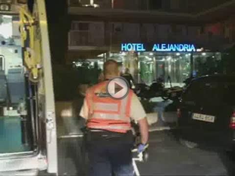 Hospitalizado un turista que cayó al vacío al  saltar de un balcón a otro en un hotel de s'Arenal