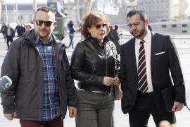 Teresa Romero se incorpora a su puesto tras 17 meses de baja por el ébola