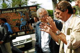 Aznar recalienta los ánimos en Melilla