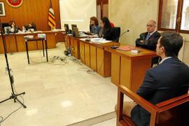 El monitor de un colegio de Palma niega en el juicio que abusara de dos alumnas