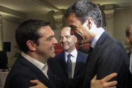 Tsipras no intercederá para que Iglesias ayude a investir a Sánchez