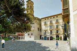 Una Plaça del Mercat libre de vehículos y más diáfana y amplia para pasear