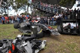 Alonso sufre un espectacular accidente en Australia