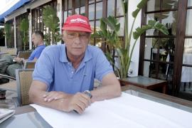 Niki Lauda: «No hay nada que hacer  con Alonso, no es como Michael Schumacher»