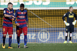 El Villarreal iguala un 0-2 y empata con el Barça en un polémico partido