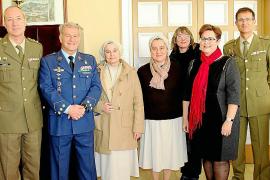 """Concurso """"Carta a un militar español"""""""