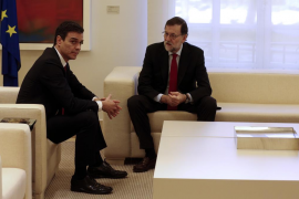Rajoy y Sánchez hablan por teléfono sobre los atentados de Bruselas