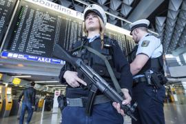 La Policía belga busca posibles cómplices de los terroristas