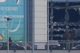 Desactivan una tercera bomba en el aeropuerto de Bruselas, que seguirá cerrado este miércoles