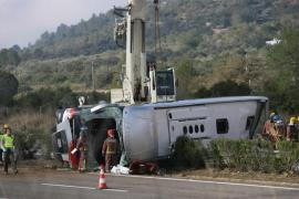 El conductor del autobús siniestrado en Freginals, en estado crítico