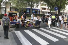 Un joven resulta atropellado en Palma y al llegar la policía emprende la huida
