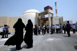 El régimen de Teherán pone en marcha su primera central nuclear