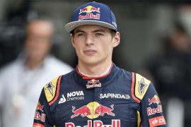 Verstappen elogia la normalidad  de Alonso y no cogería «nada» de Sainz