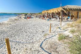 Los chiringuitos de las playas de Campos reportarán 1,2 millones a las arcas municipales