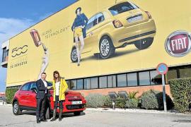 Fiat entregó el 500X que se sorteó en el parque temático Port Aventura