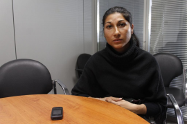 «Llevo seis meses sin poder ver a mi marido, encarcelado en Girona»
