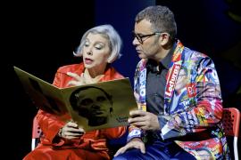 Jorge Javier Vázquez y su obra autobiográfica 'Iba en serio', en Trui Teatre