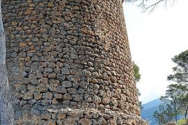 Alertan del «riesgo de derrumbe» de la torre de sa Pedrissa, en Deià