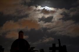 Visita guiada al cementerio de Palma con 'La nit de la lluna al cementiri'