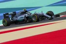 Rosberg se adelanta a Hamilton en un nuevo monólogo de Mercedes