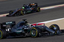 Hamilton logra la 'pole' en Baréin