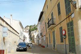La oposición vecinal no paraliza el cierre al tráfico del casco antiguo de Capdepera