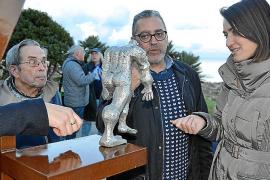 Presentación de las esculturas de Moisés Gil en Cala Rajada