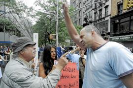 La polémica mezquita en la 'zona cero' llega a las calles de Nueva York