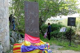 La instalación del mural republicano de Frau en Son Coletes sella la reconciliación