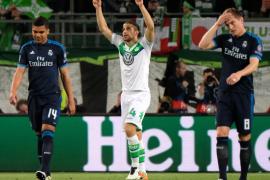 El mejor Wolfsburgo sorprende al peor Real Madrid