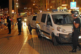 Detenido un turista tras agredir a su mujer delante de sus hijos en la Platja de Palma