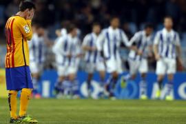 El Barça vuelve a caer en Anoeta y la Real reaviva la Liga