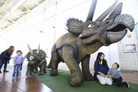 Expo Jurásico asombra a grandes y pequeños