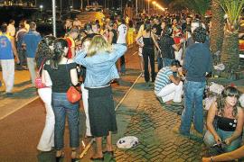 La Policía Local ha puesto este verano 16 multas a jóvenes durante el 'botellón'
