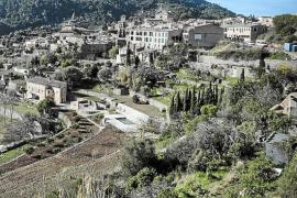 Valldemossa cobrará por utilizar sus caminos municipales y limitará sus usos