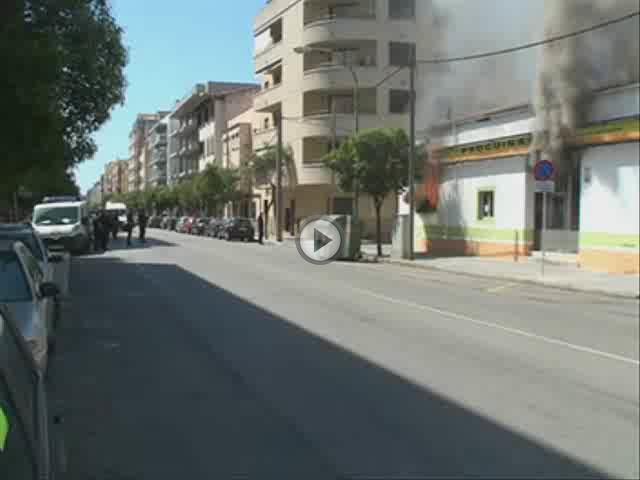 Un incendio causa graves daños en una carpintería de la calle Arxiduc Lluís Salvador de Palma