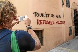 Hila: «Las pintadas contra los turistas no tienen ningún sentido»
