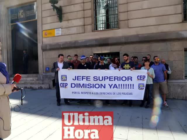 Concentración frente a la delegación de Gobierno para pedir el cese de Jarabo