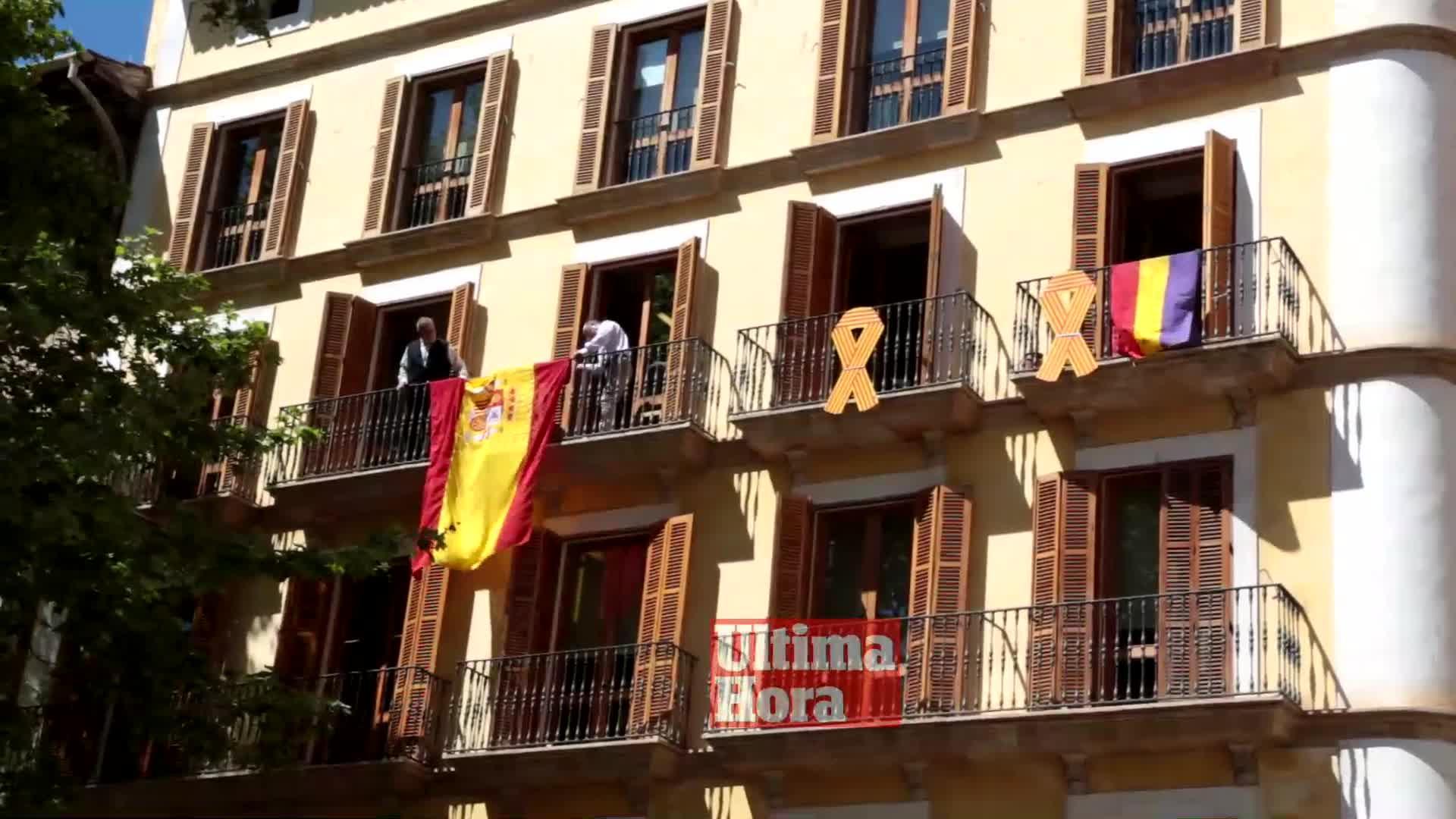 Guerra de banderas en Cort por el 85 aniversario de la República